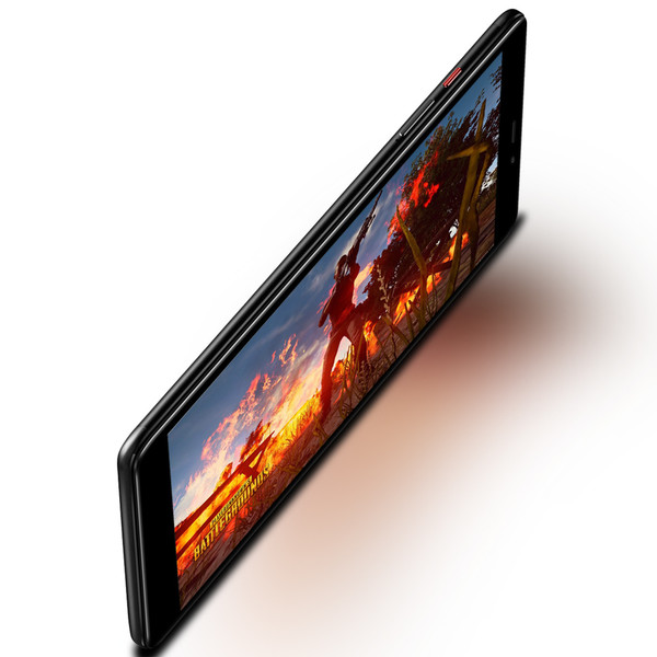 Privlačen dizajn in izjemen zaslon
